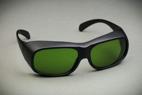 عینک محافظ چشم پزشک